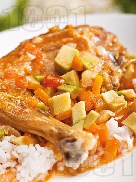 Задушено пилешко месо с авокадо - снимка на рецептата